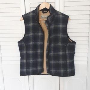 Wool llbean vest. Size M.